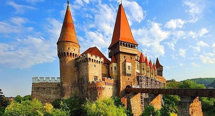 Excursie în Țara Hațegului castelul corvinilor
